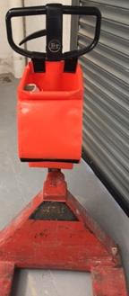 pump pallet truck bags are a handy storage solution.